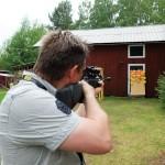 Luftgevärskytte - Nikon ska träffa gult, Canon rött och Pentax grönt....