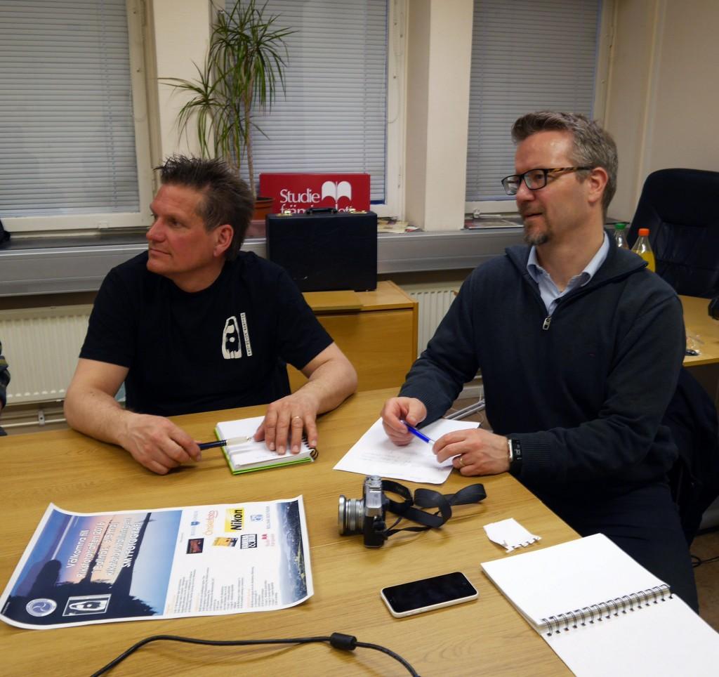 Tommy och Lajan planerar RIFO. Foto Bengt Moberg